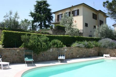 Il Poggiolo, sleeps 8 guests in Monte San Savino - Monte San Savino