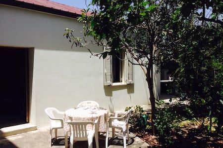 Mar Jonio, casetta con giardino - Lejlighed