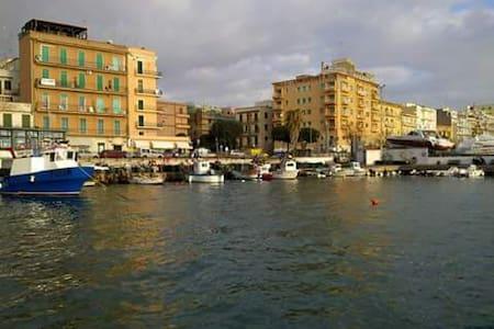 Odemaris bed and breakfast - Anzio - Bed & Breakfast