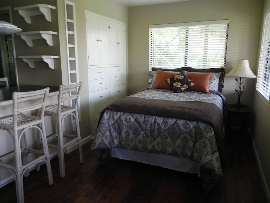 a full bed with plenty of drawers to unpack and stay for a while!