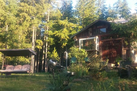 Secluded Cozy Log Cabin-Lake Nearby - Kabin