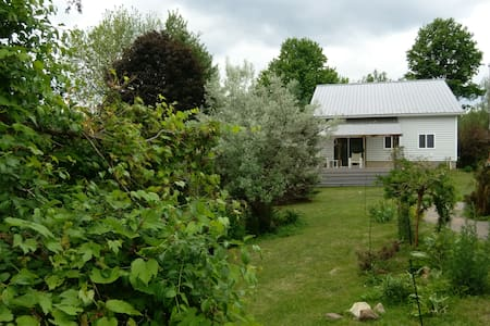 Lakeshore Guest House - Norwood