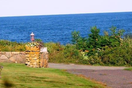 Ocean View 3 br Glenellen Cottage - Ház