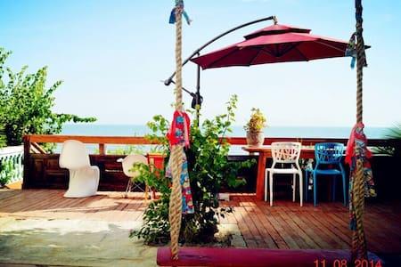 海边小楼,推门见海,有大海,有秋千,有摇椅,有风景有美食…(客栈 - Casa