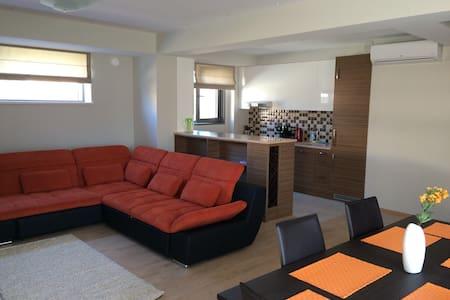 Солнечная квартира с видом на море - Apartment