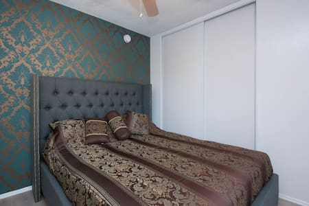 Luxury Apartment in WEHO - West Hollywood - Apartment