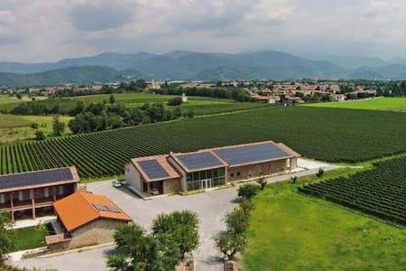 Romantica 4Holiday B&B Franciacorta - Passirano  - Bed & Breakfast