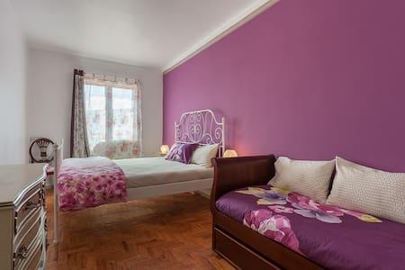 A Bela Piscosa2-Q Familiar Vista - Sesimbra - Bed & Breakfast