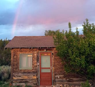 The Cabin on the Hot Springs Road - Ranchos de Taos - Chalet