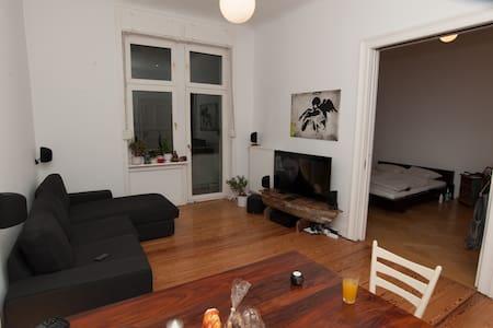 Wunderschöne großzüge Altbauwohnung - Condominio