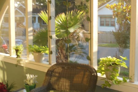 3BR beach house, 2blks beach, close to everything! - Biloxi - Casa