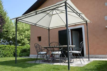 Cascina Val Pozzo - Lago di Garda - Costermano - Rumah