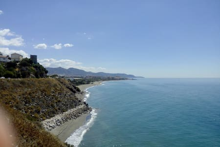 CHEAP STUDIO 100MTS BEACH-WIFI & AA