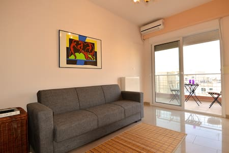 Bright and spacious 1 bedroom - Thessaloníki - Apartment
