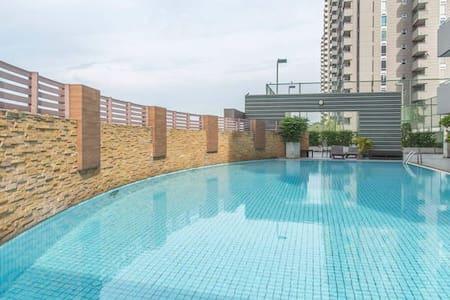 2BR Lake View Service Apartment - เทศบาลนครปากเกร็ด - Apartamento