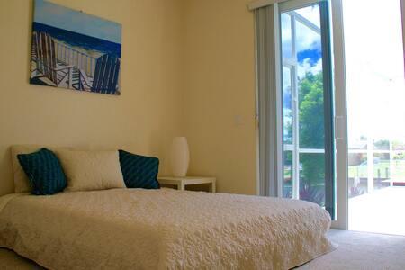 Beach Room Villa/Pool/Gulf access: