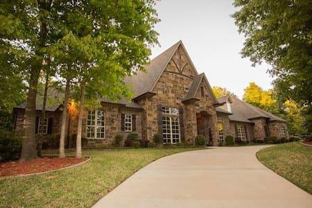 Luxury Home - Ház