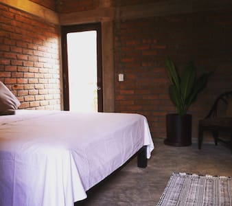 La Cava Room in Beach House Loft - House