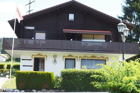 Typisch Bayrisch - Haus 80EG - Arrach - Appartement