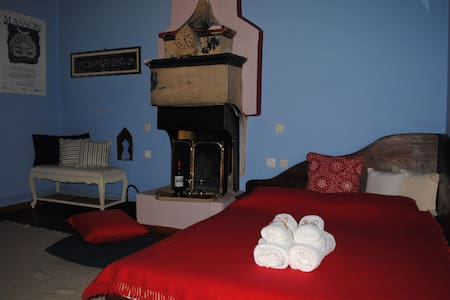 Orestis House Traditional Cottage - Bed & Breakfast