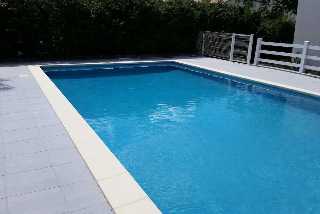 Maison spacieuse avec piscine maisons louer saint for Piscine saint jean de vedas