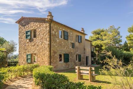 Old farmhouse at Elba overlooking two seas - Bagnaia - Villa