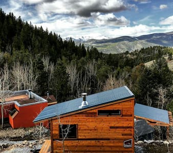 Off grid Adobe and Tiny house. - Idaho Springs - Haus