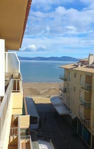 L'Escala, Gerona.  Apartamento con vistas al mar - L'Escala