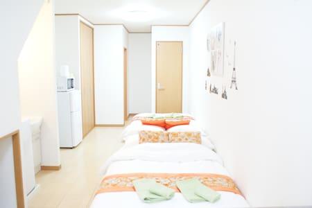 New Town House☆next to Umeda(梅田大阪) 4mins to Namba - Hus