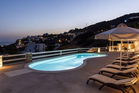 rooms&studios in IOS(NOT SANTORINI) - Bed & Breakfast