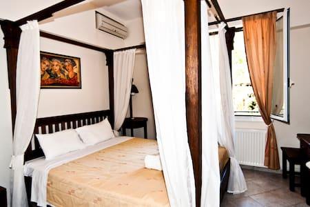 Superior One Bedroom Apartment ! - Apartament