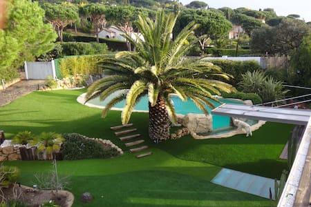 Villa de 300m2 avec piscine - Ramatuelle - Hus