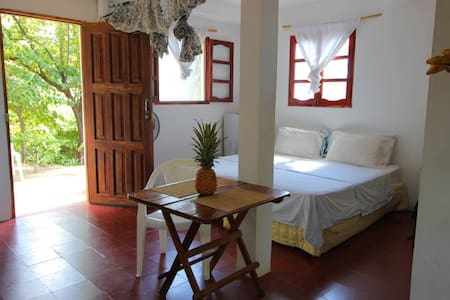 Garden Suite Casita with patio, hammock and BBQ - Tola