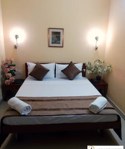 Budget Room Near Domestic Airport - Bed & Breakfast