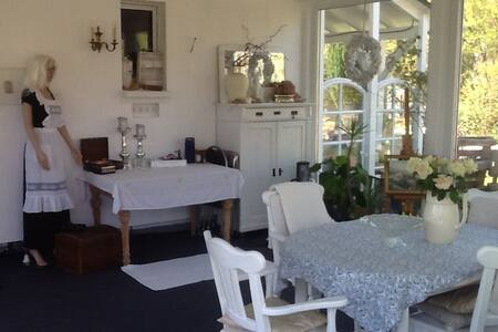 villa Jani b&b - Bed & Breakfast