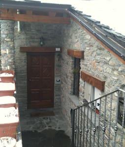 Grazioso appartamento a Saint Denis - Saint-denis - House