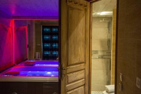 Chambre d'hôte de charme avec spa proche d'avignon - Tarascon - Bed & Breakfast