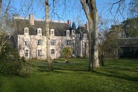 Château de LA QUERRIE - Zamek