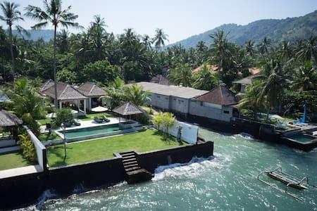 Luxurious Ocean-front Villa Gita in Candidasa - Manggis - Villa