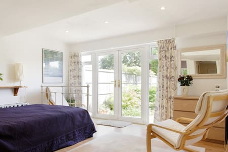 Pretty Garden Room/Studio - Marlow - Bed & Breakfast