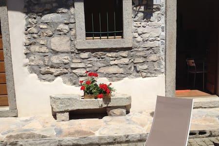 Cottage zia Rosa-Argegno Lago Como - Wohnung