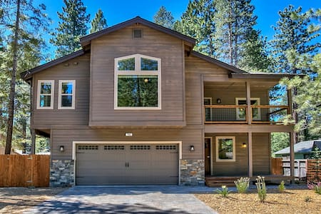 2016 New Modern BBQ,Spa,Billiards,HDTV,Poker Table - South Lake Tahoe