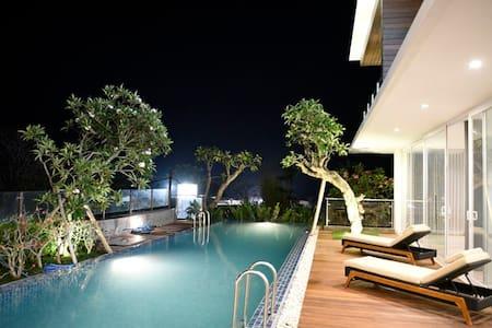 Sadewa Modern Room- Short drive to Pandawa Beach. - Kuta Selatan