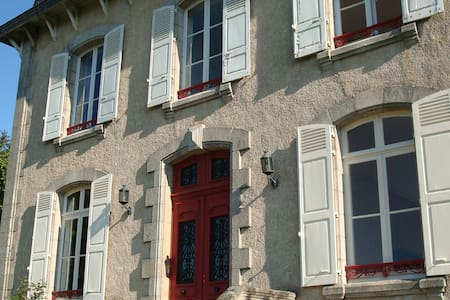 La Belle Maison - Bed & Breakfast