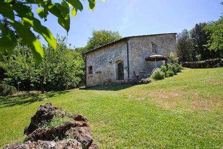 Monteriggioni, suite Capanno - Rumah