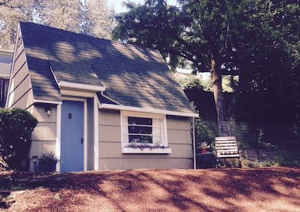 Fairytale Cottage, sleeping loft