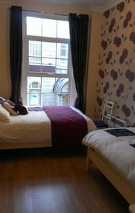 Wexford Town Pikeman Apartment, North Main Street, Wexford Town - 2 Bed - Sleeps 5 - Wexford Town - Apartemen