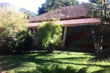 Lindo Sítio dos Guedes em Guapimirim - Guapimirim - Cabana