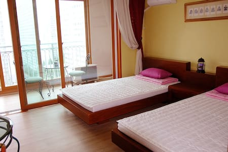 Comfortable and Elegant Rooms(2인실)