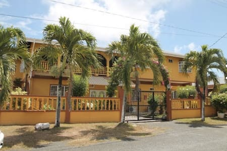 Spectacular Two Bedroom Apartment - Canaan
